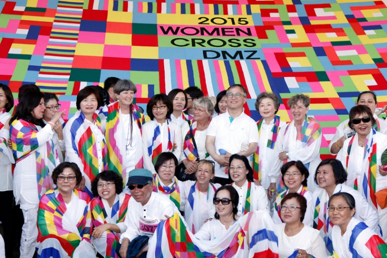 Women Cross DMZ international delegation with South Korean organizers, May 24, 2015.