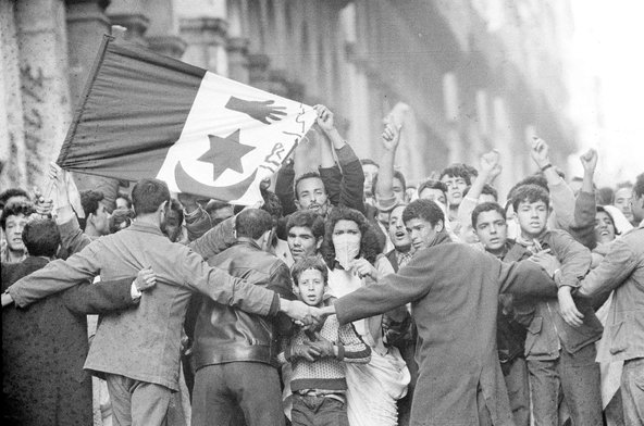 Demonstrators in Algiers, December 1960.Credit Associated Press