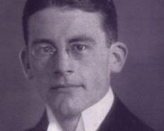 Carl_Schmitt_als_Student_1912-554x446
